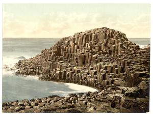 Giants Causeway:LOTS of rectangles, curves, different levels